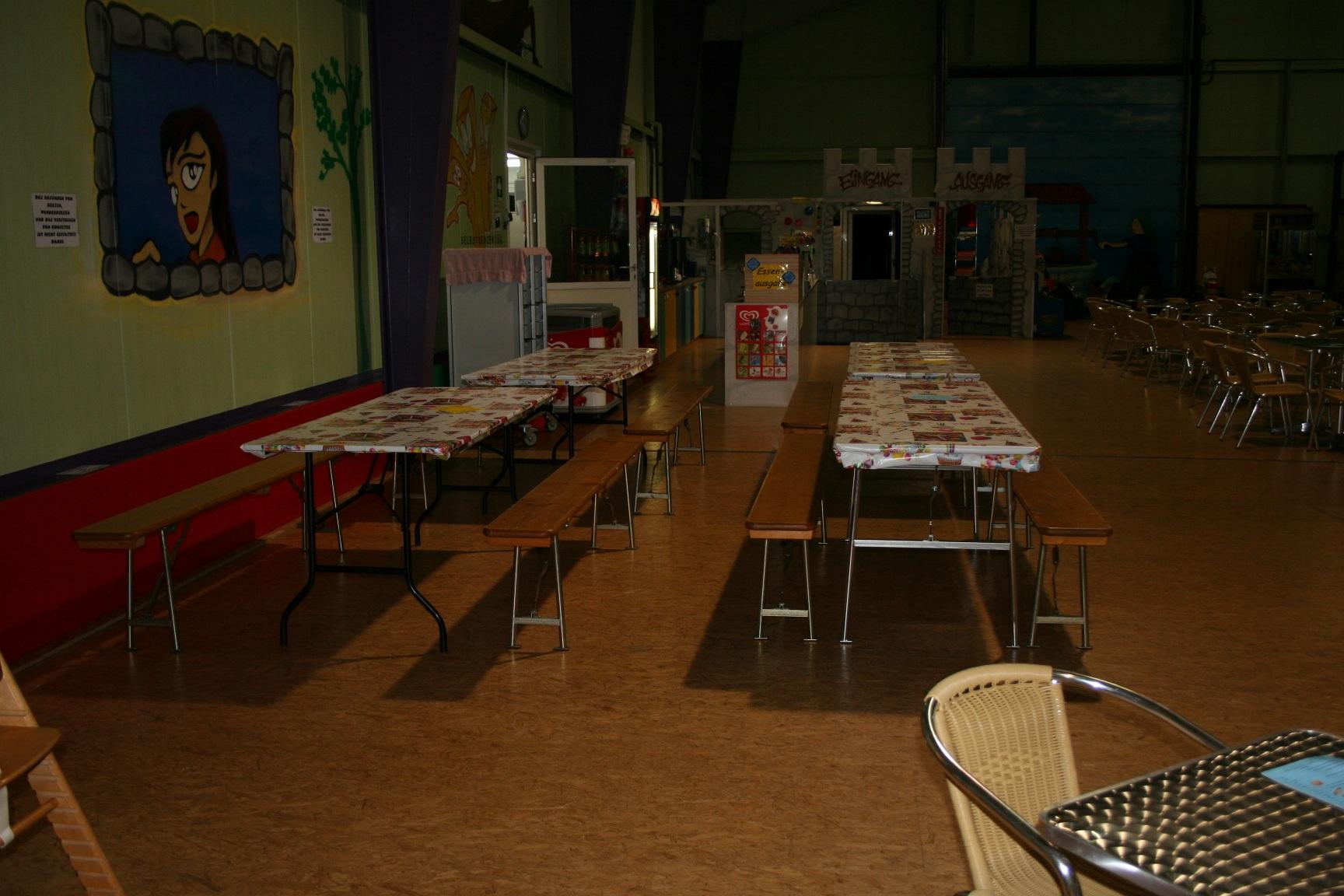 Tisch in der Halle